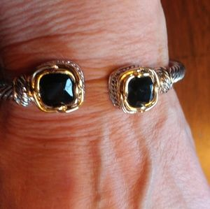Jewelry - NWOT REAL BLACK SPINAL CABLE BRACLET